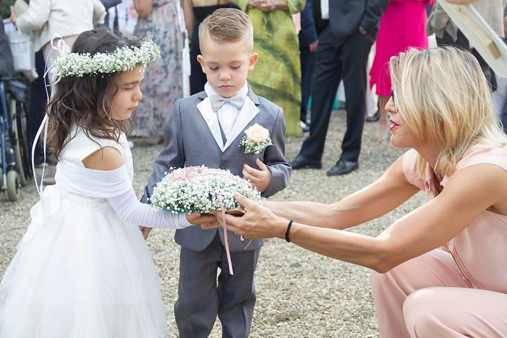 ddcb52152db1 Il ruolo della damigella d onore. La scelta della damigella d onore è molto  importante agli occhi di tutte le spose che ...